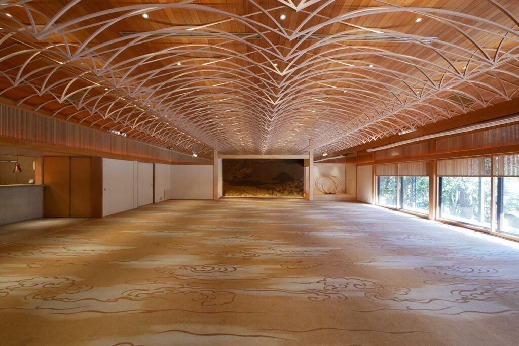日本建築の粋を集めた大広間「白鳳館」